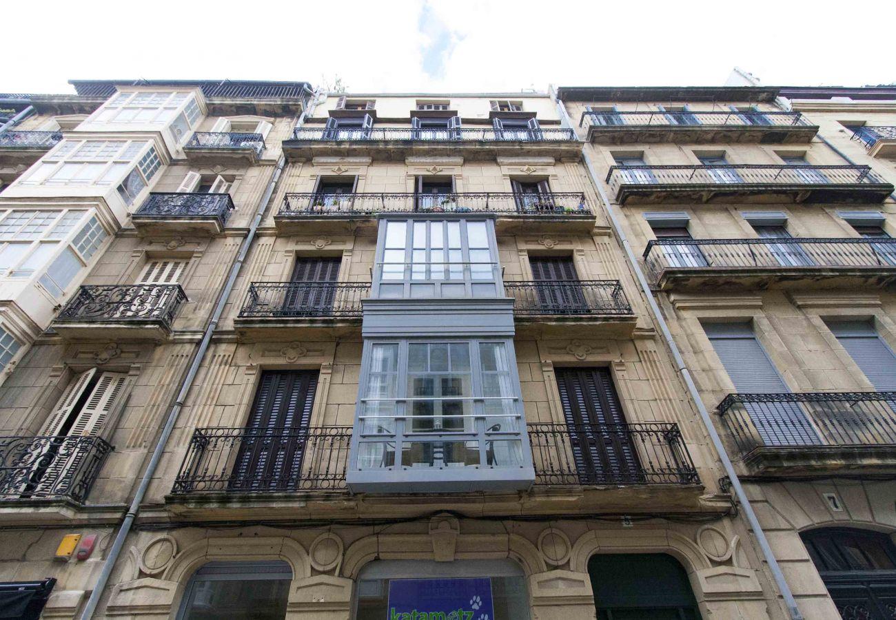 Apartment in San Sebastián - LARREA